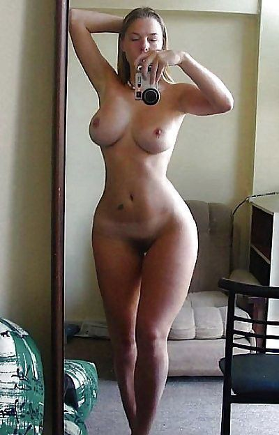 Amateur perfect body nude selfie