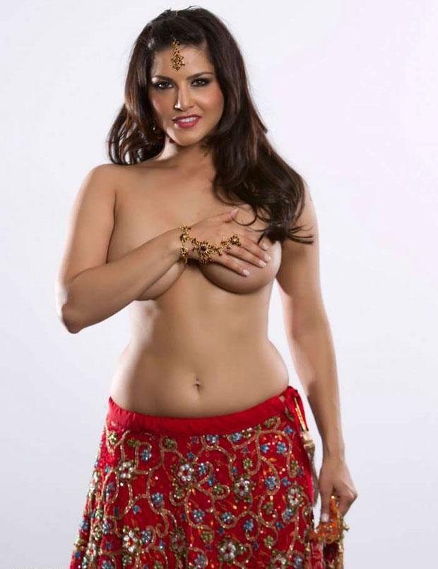 Sunny leone topless photo