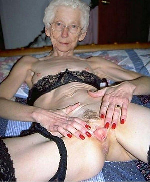 Mature saggy nude grannies with big tits
