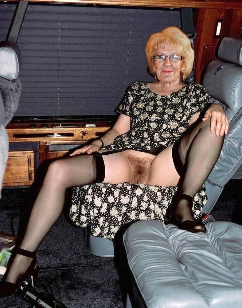 Free old women fucking