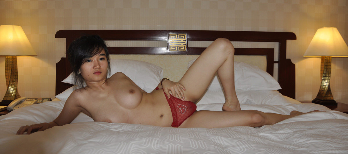 Hot nude mature vietnam picture