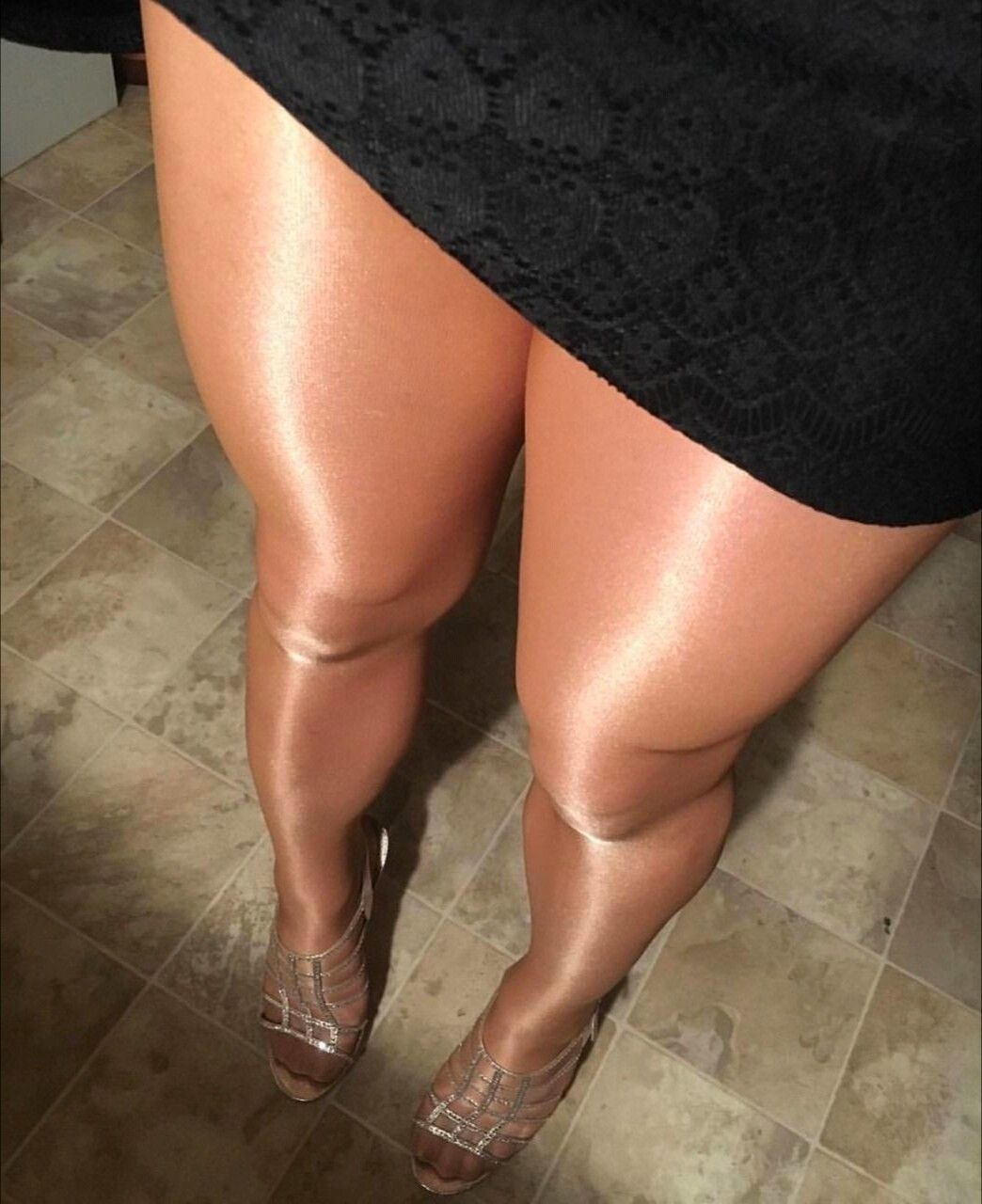 Do you wear shiny pantyhose