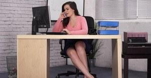 Sexy asian girl sucking dick