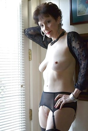 Granny pusy naylon sex