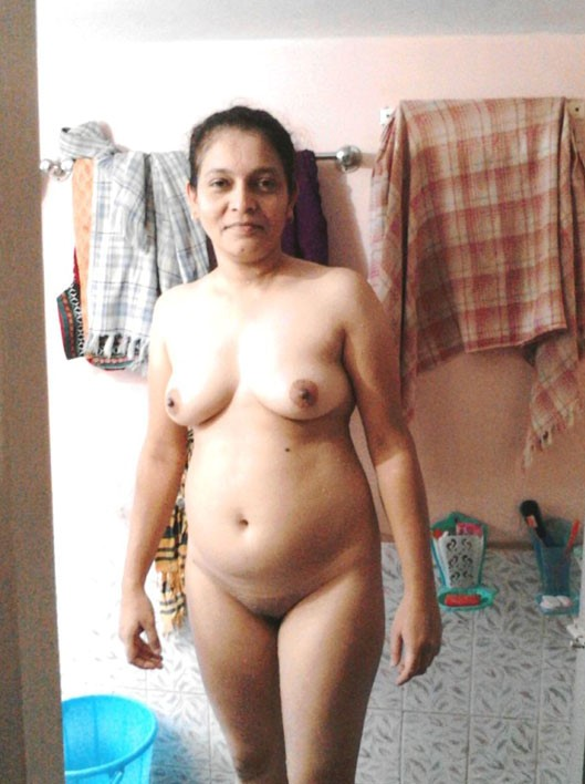 Naked indian house wife pics