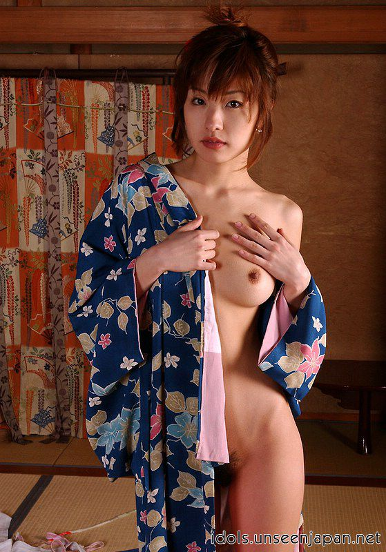 Naked japanese girl in kimono picture