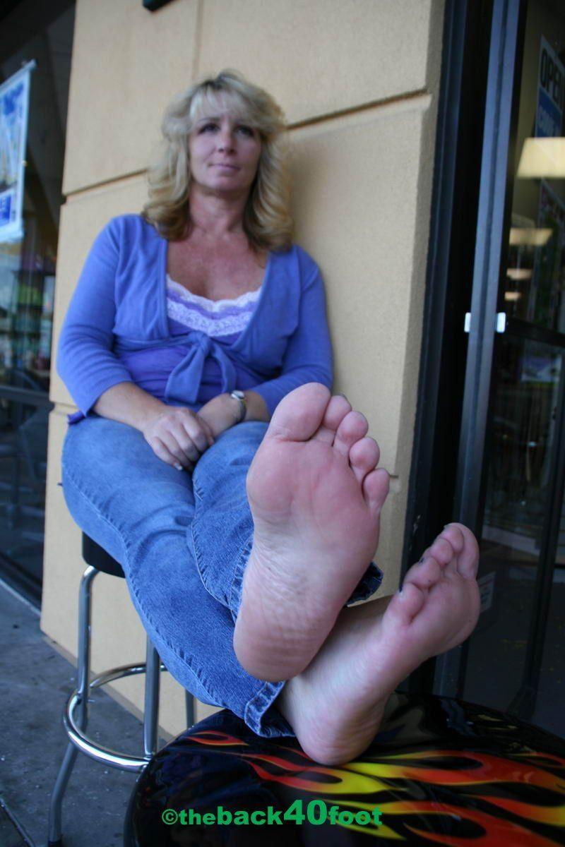 Mature women foot fetish
