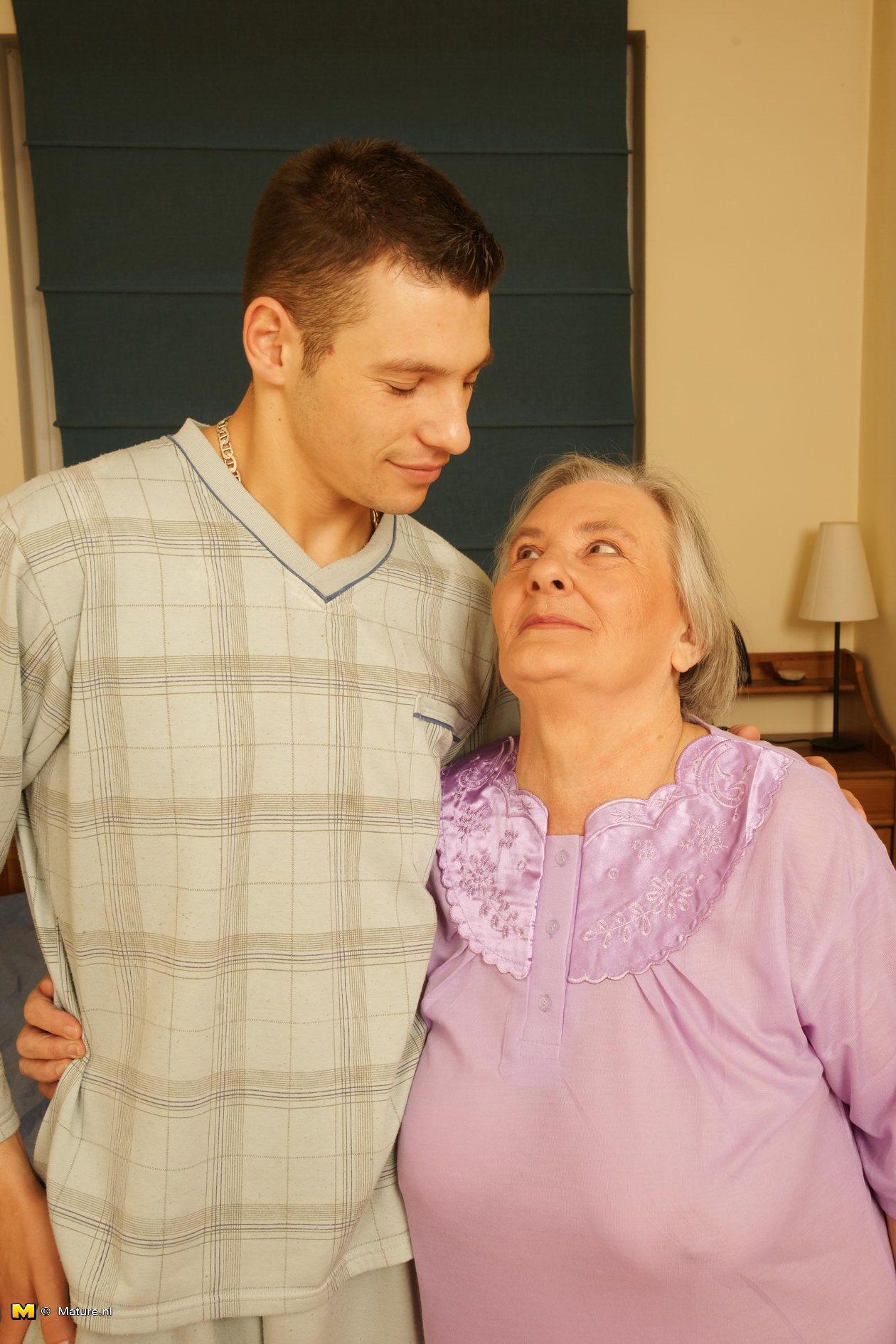 Granny and boy next door-Fucking pics hd