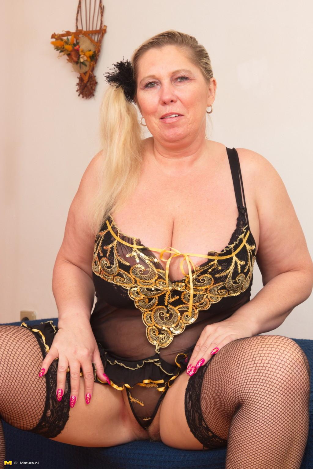 Chubby mature nl porn