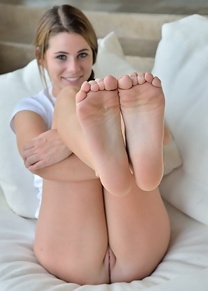 Nude girls showing soles