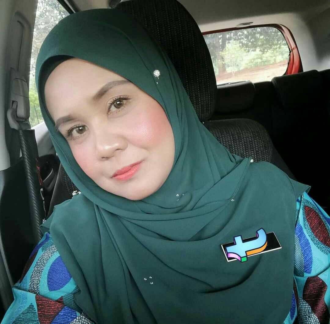 Malay tudung milf tits
