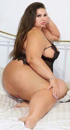 Nude beautiful big women