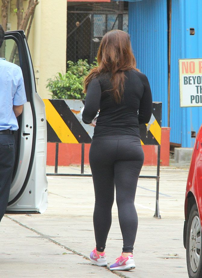 Kareena kapoor hot ass