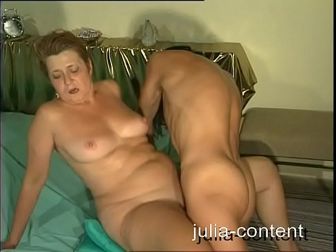Old lady sex with girl