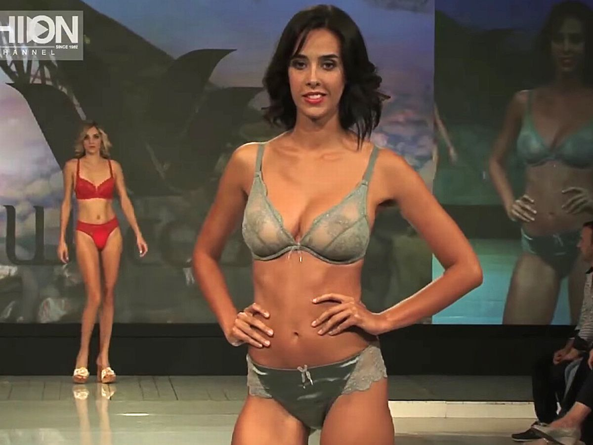 Streaming video of lingerie modeling