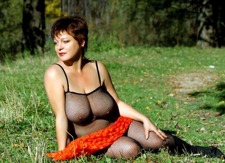 Beautiful nude mature women breasts
