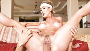 Queen size mature wife