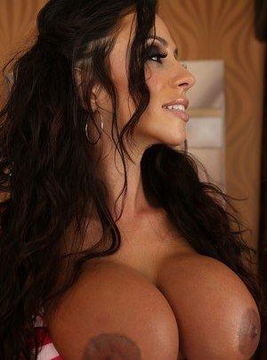 Nude big tits brazil