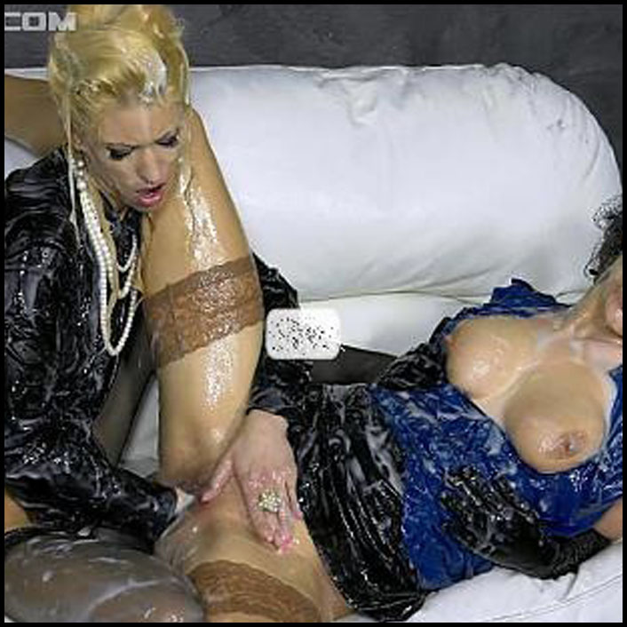 Wet and messy sex