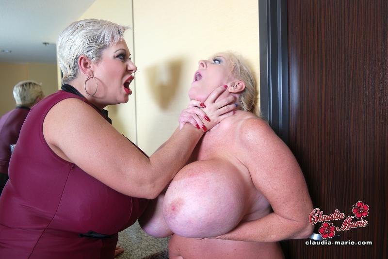Kayla kleevage and dildo