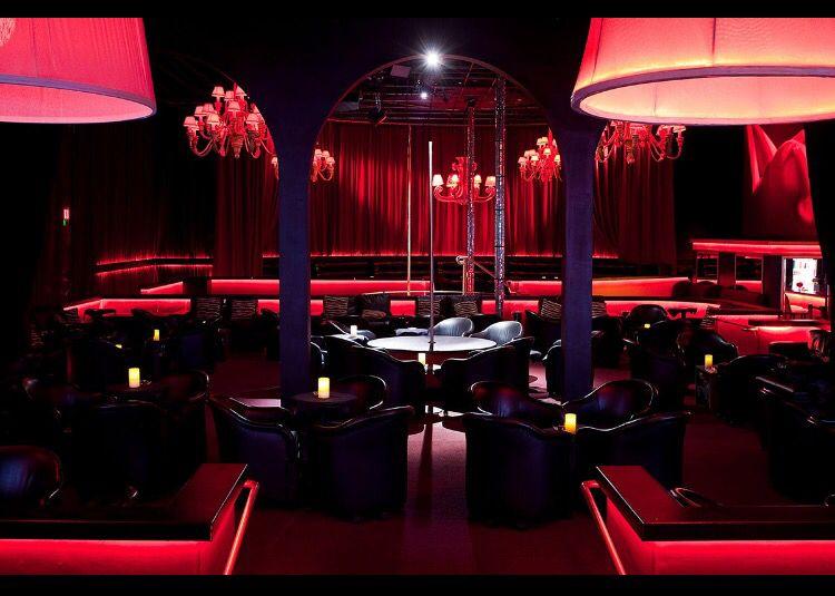 Inn between lounge pa strip clubs