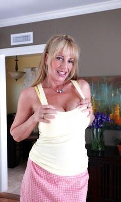 Friends hot mom olivia parrish