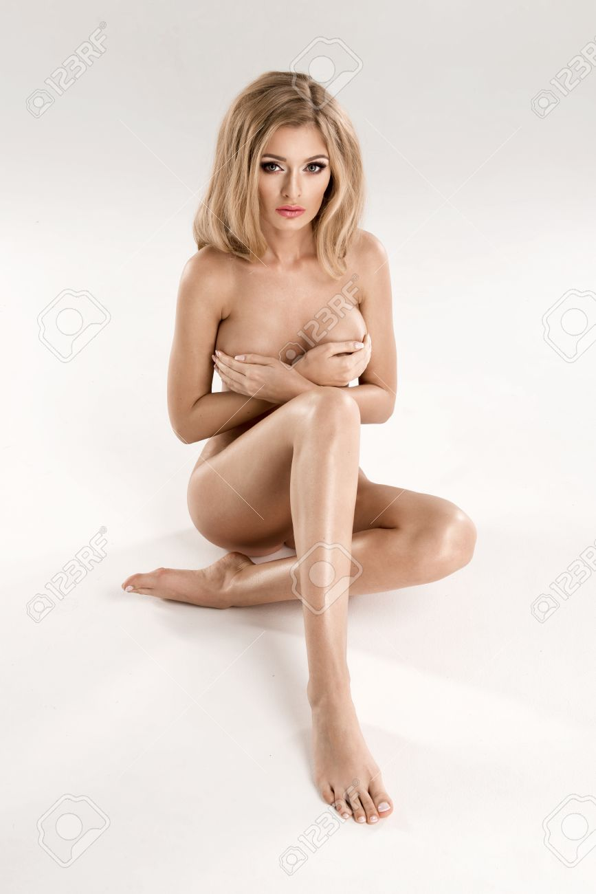 Pictures of pretty naked blonde woman
