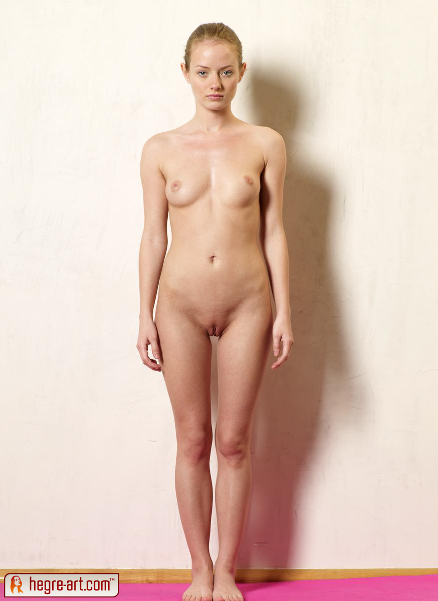 Photos of standing nude women