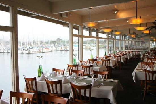 Monterey bay wharf restaurants