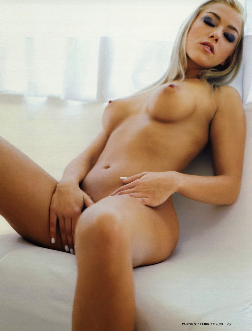 Sexy nude girls with legs open